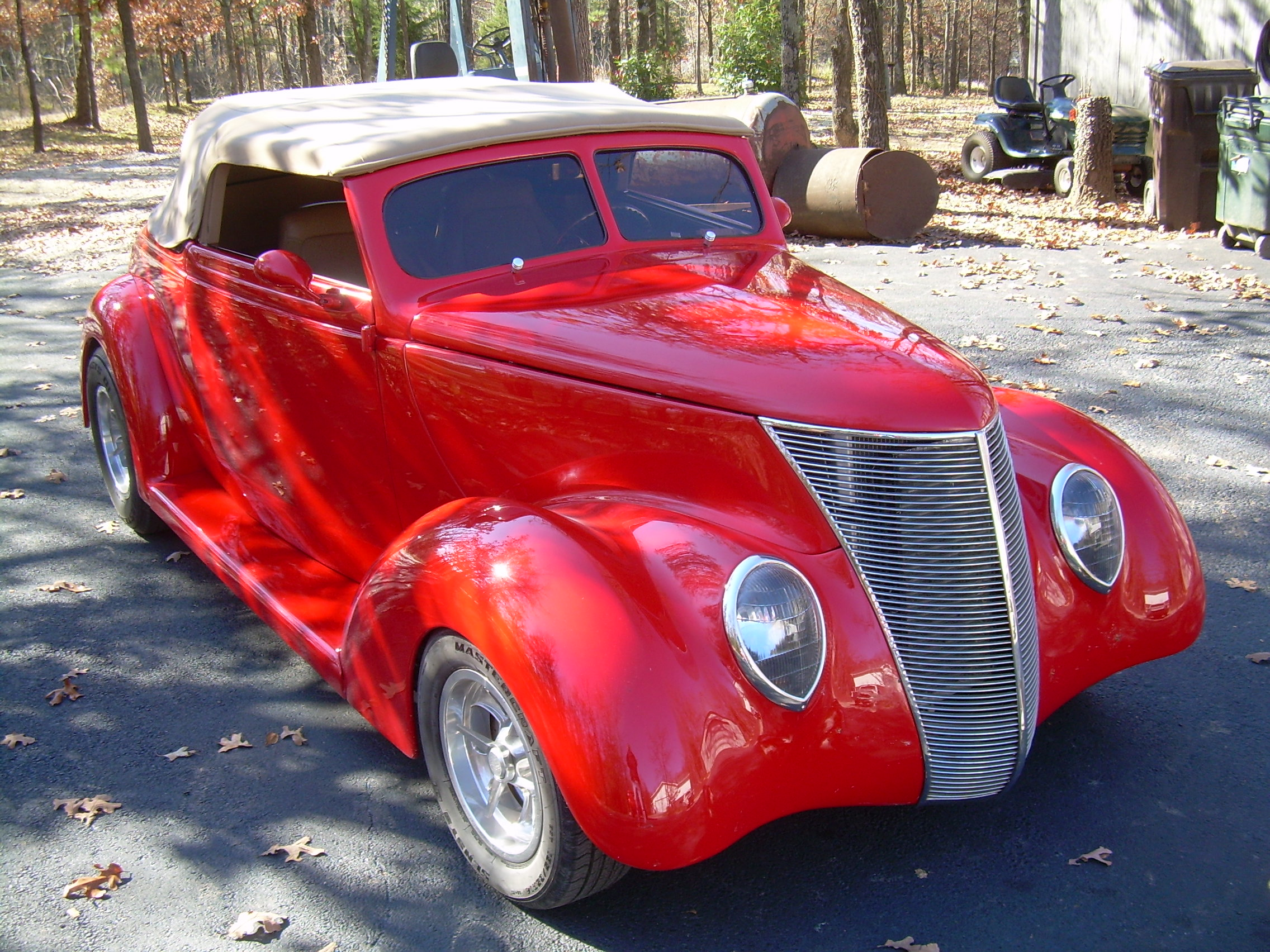 1937 Ford Club Coupe Cabriolet