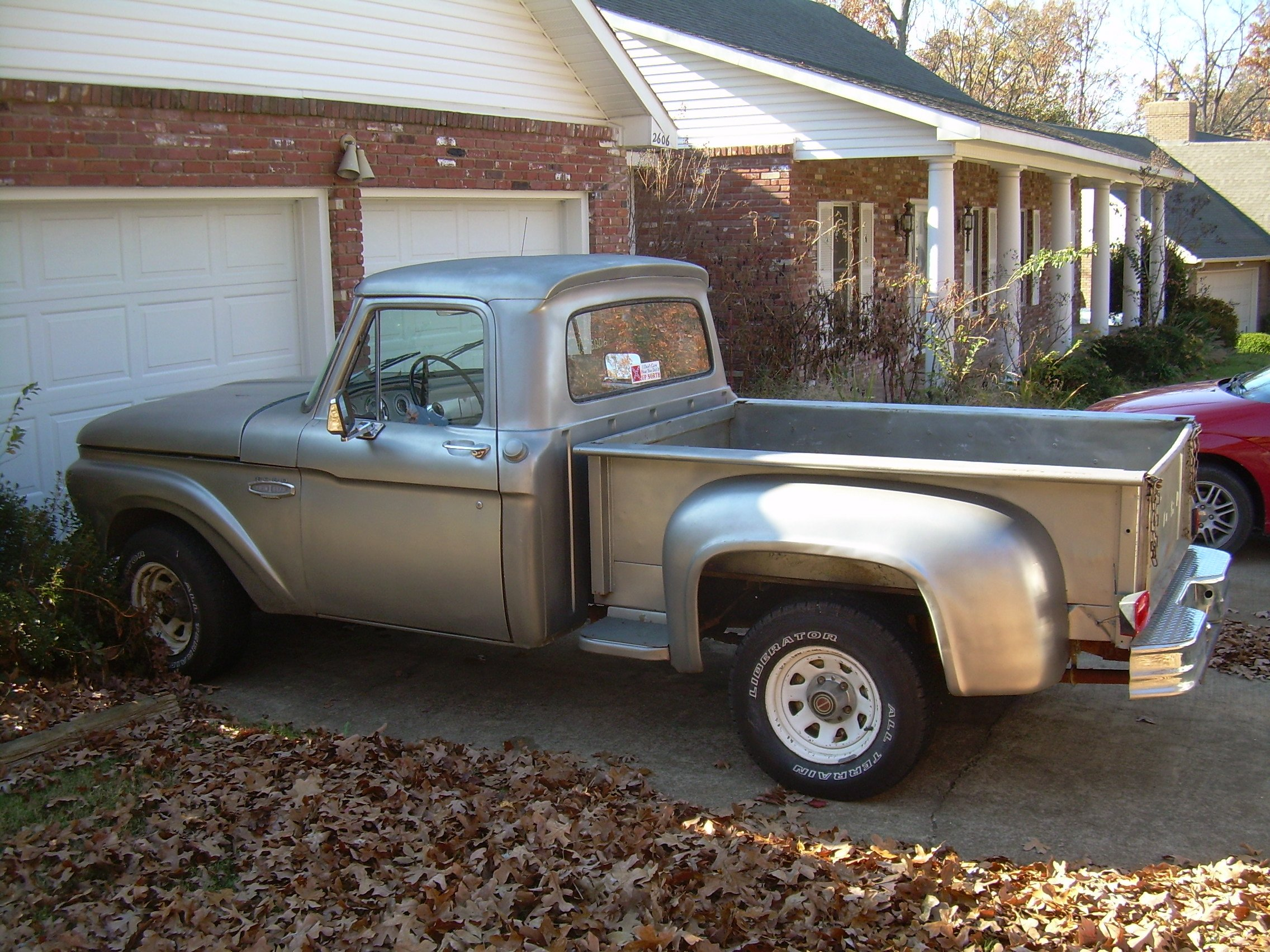 Click here to see a picture of a truck with a real ford step er flareside bed on it fiberglass fenders front rear would not be factory original